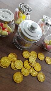 pip-langkous-kinderfeestje-geld en snoep