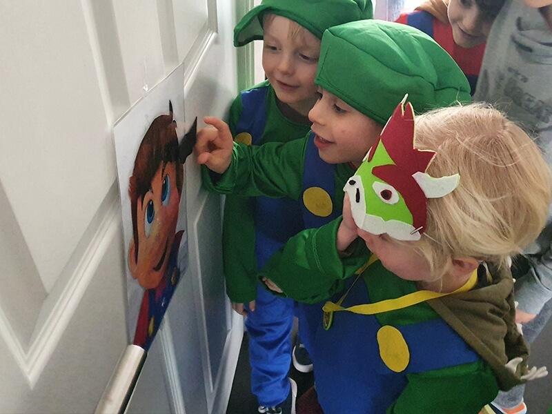 Plak de snor van Mario op de juiste plek